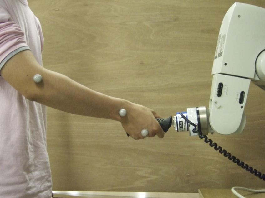握手ロボット
